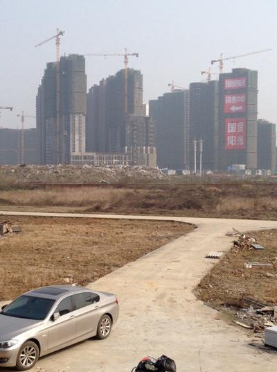 南昌市群众艺术馆亮化工程已进入收尾阶段,但务必谨慎施工